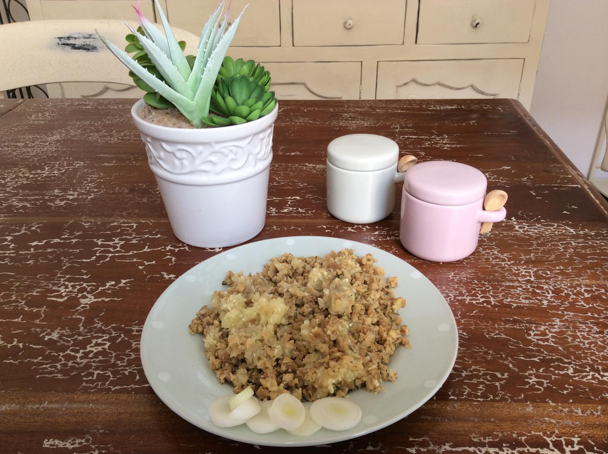 Un secondo dal gusto vegano: Zucchine ripiene di setain