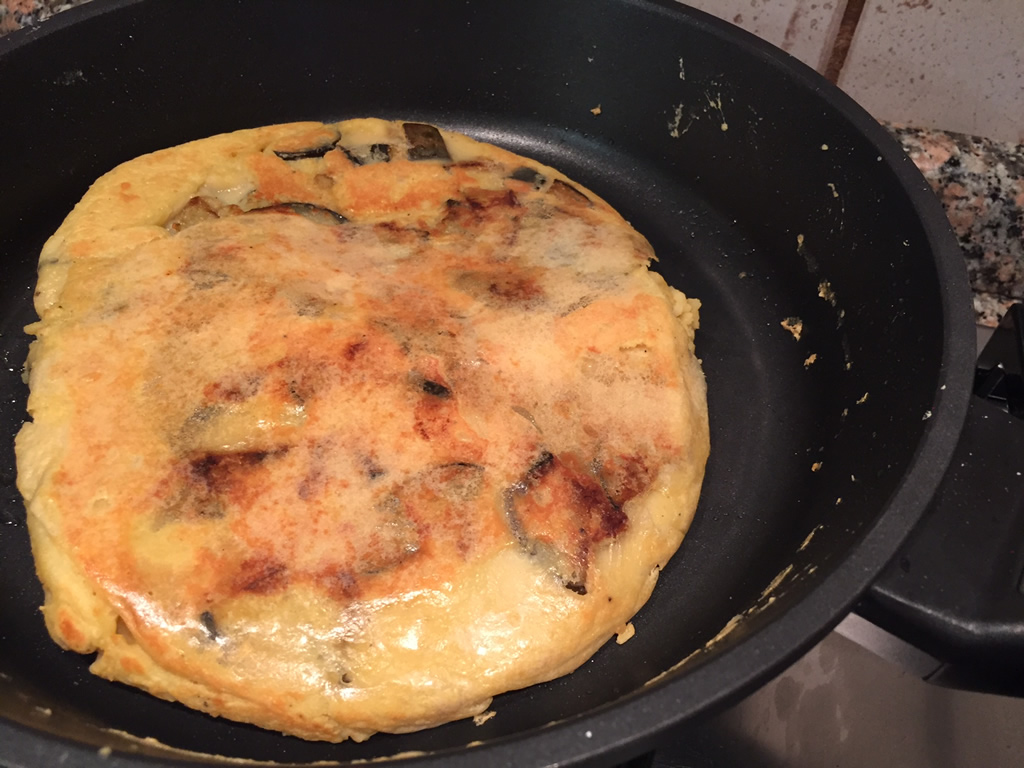 Una ricetta originale: frittata con farina di ceci e melenzane