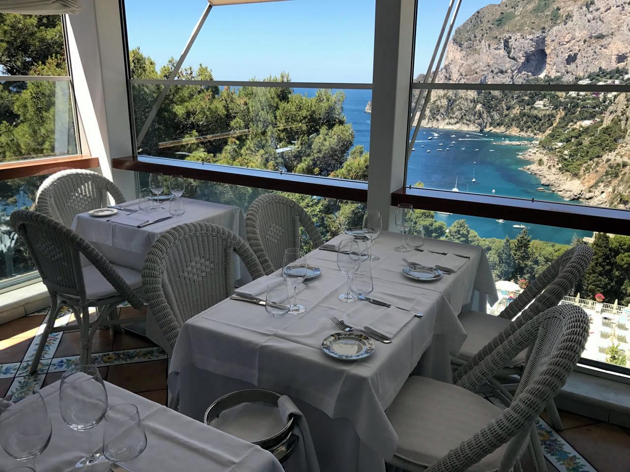 Come trascorrere due giornate nell'isola azzurra di Capri Villa-brunella-Capri
