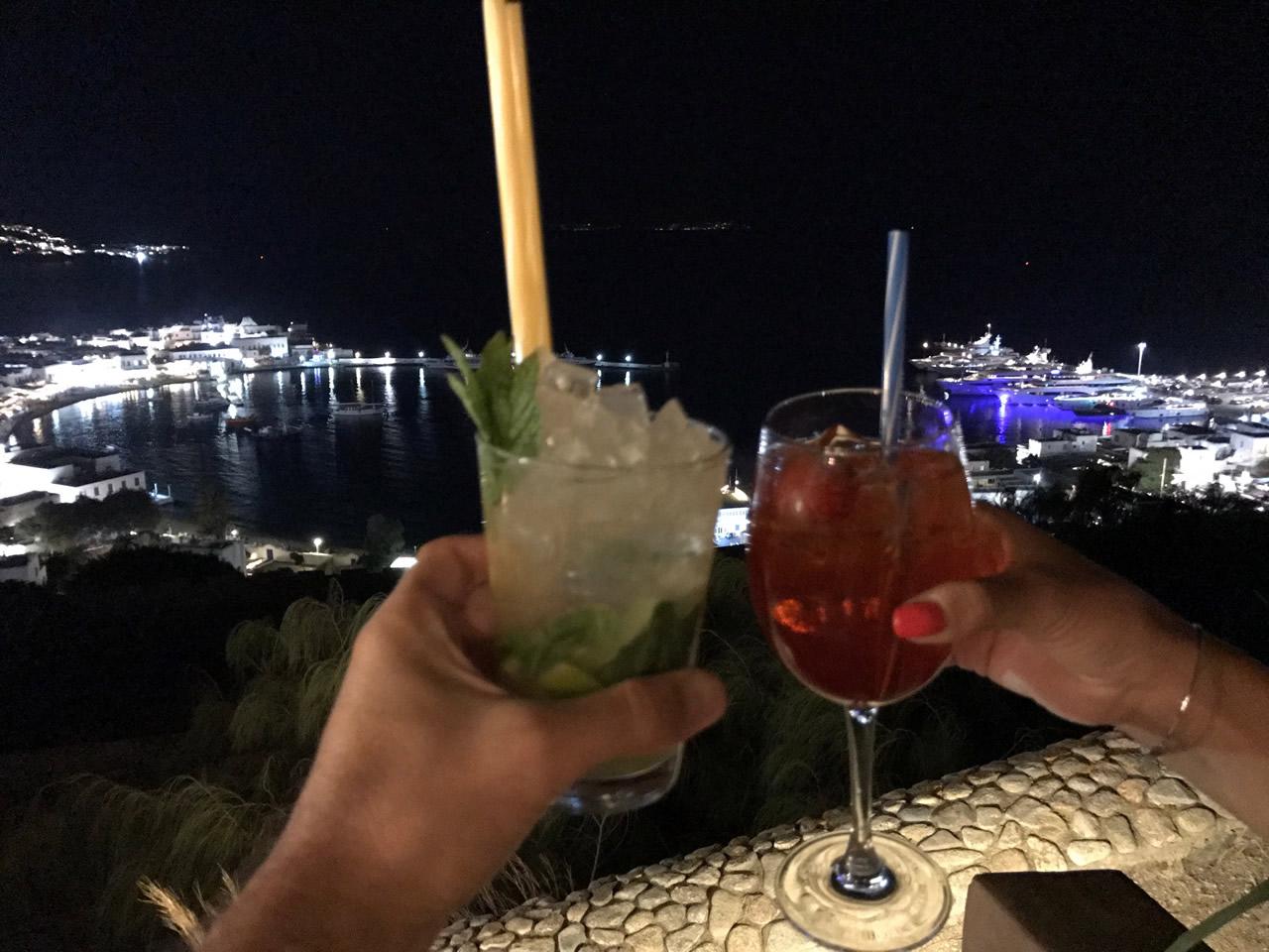 Dove mangiare, bere e nuotare in vacanza nella città di Mykonos