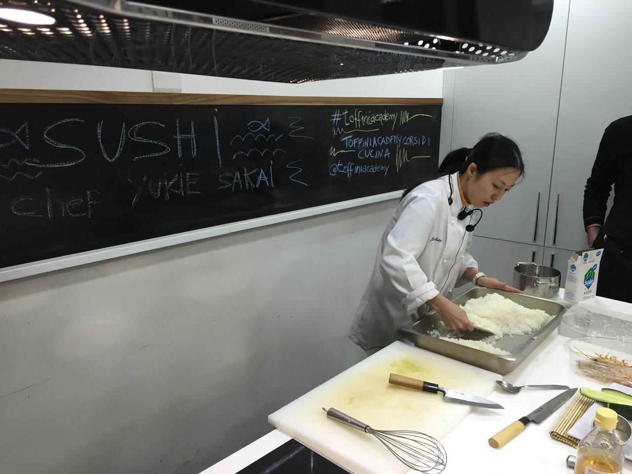 Imparare a fare il sushi presso Toffini Academy come preparare il sushi