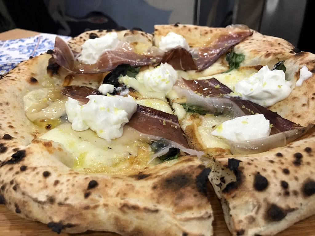 Giuseppe Pignalosa e le sue pizze ad alta digeribilità: Pizzeria le parulè