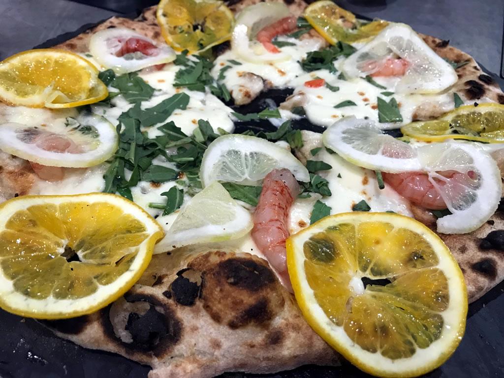 La digeribilità dell'impasto della pizza nelle sapienti mani di Giuseppe Maglione: 1000 gourmet