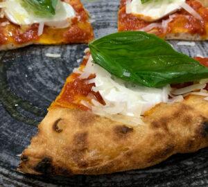 Pizzeria I Vesuviani: pizza in teglia, in pala o da padellino?
