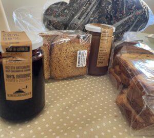 Pasticceria De Santis Santa Croce: Fette biscottate e marmellate artigianali e l'assaggio della colomba