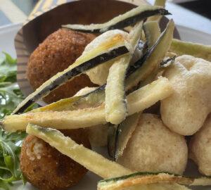 Rinomato: ristorante e pizzeria che racconta la tradizione napoletana